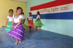 pueblo-viejo-rc-school-children-making-presentation