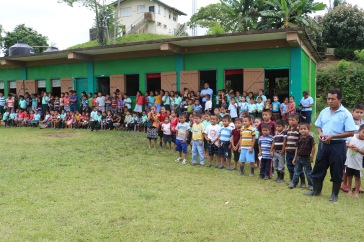 school-children-in-jalacte-came-out-in-large-numbers